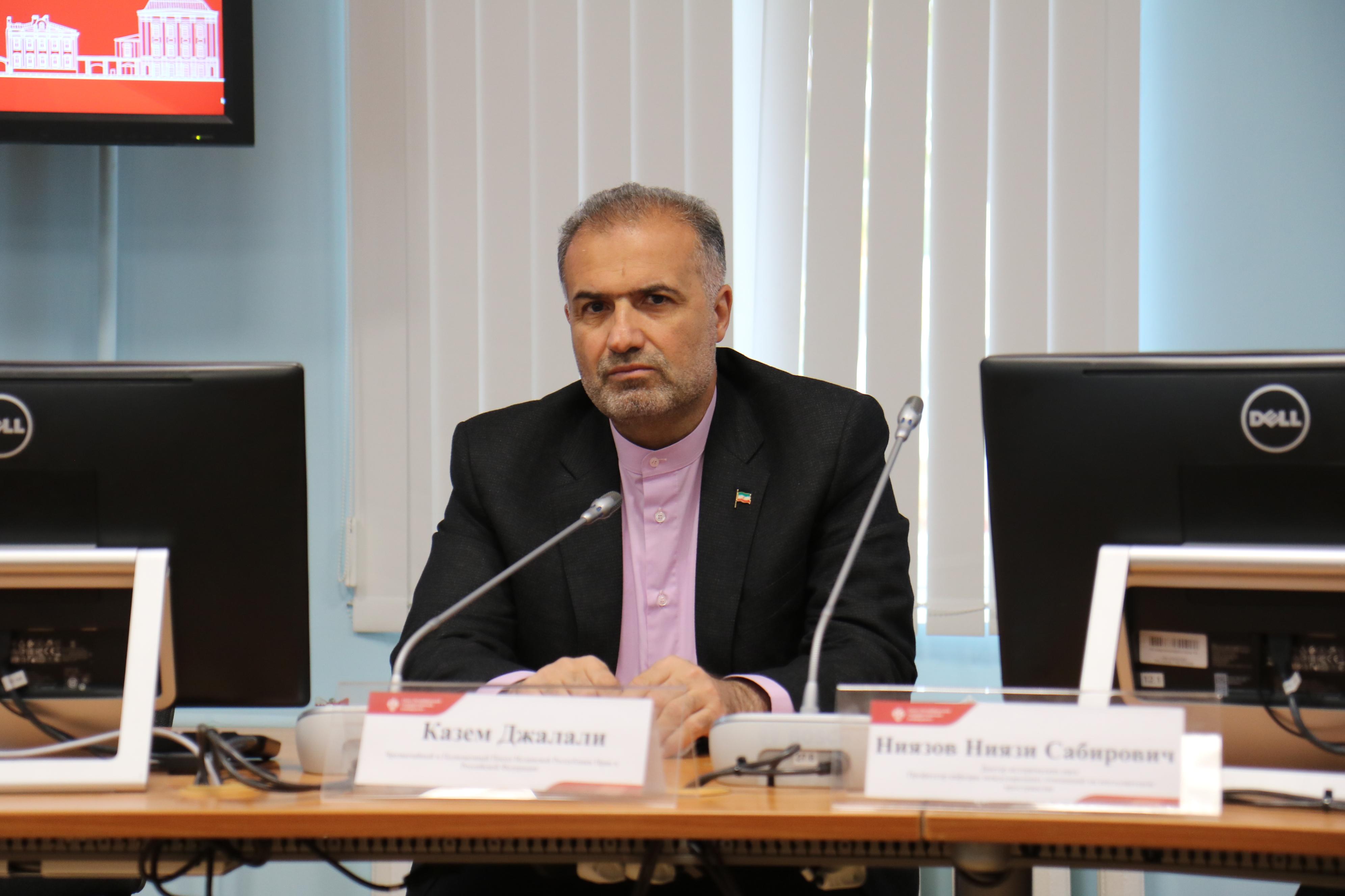 Посол Ирана Казем Джалали посетил СПбГУ