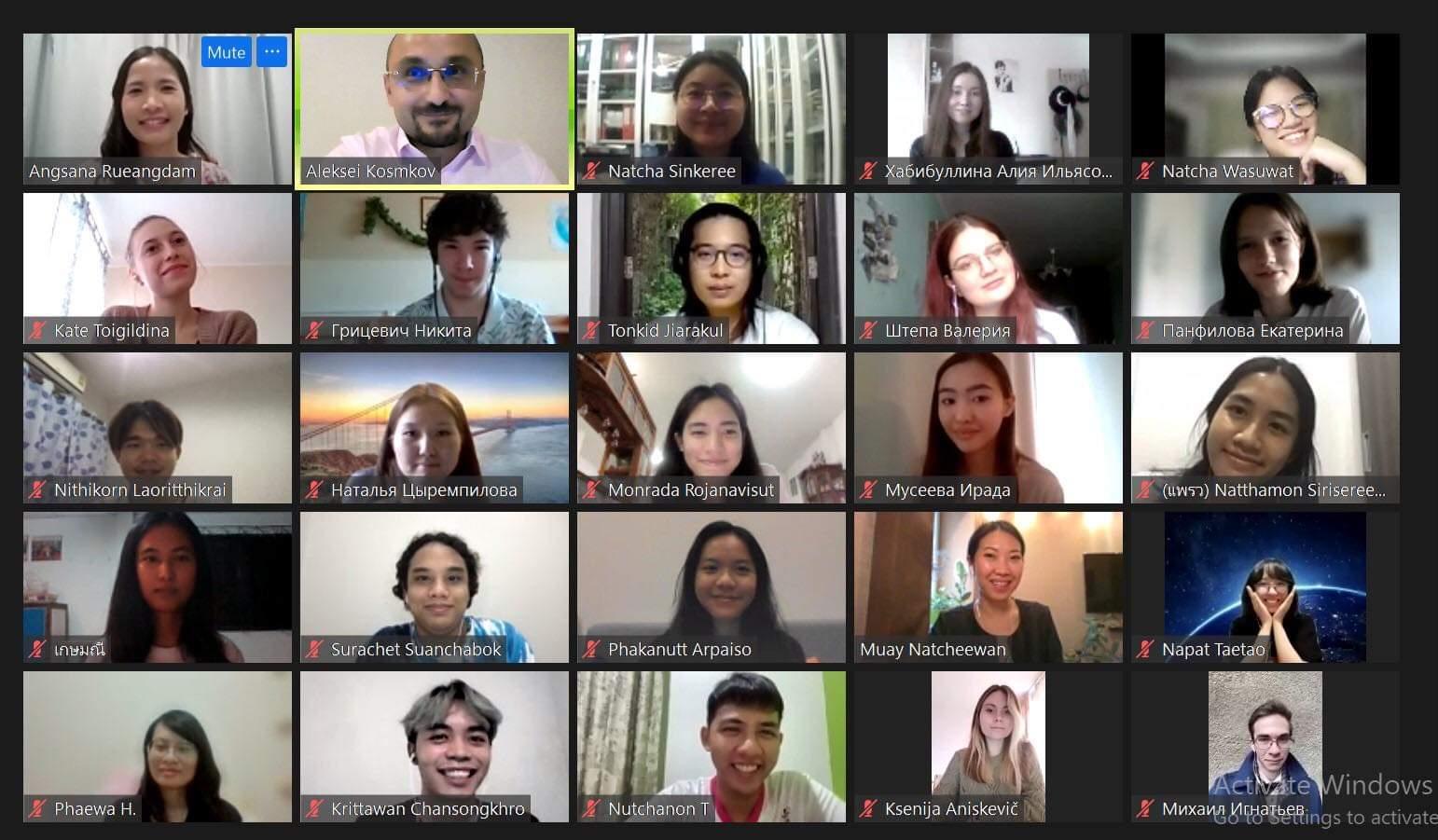 Студенты-таиландисты СПбГУ пообщались с русистами из Университета Чулалонгкорна