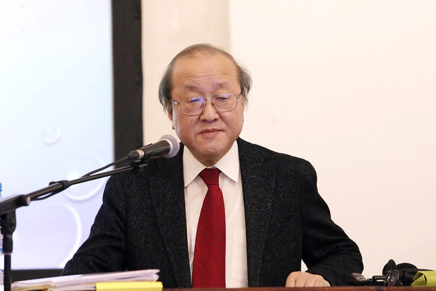 Professor Mitsuyoshi Numano on the Singularities of Japanese Literature