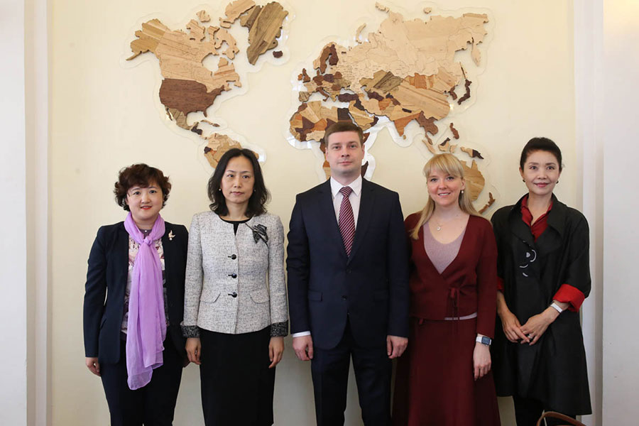 В СПбГУ обсудили сотрудничество со Штаб-квартирой Институтов Конфуция