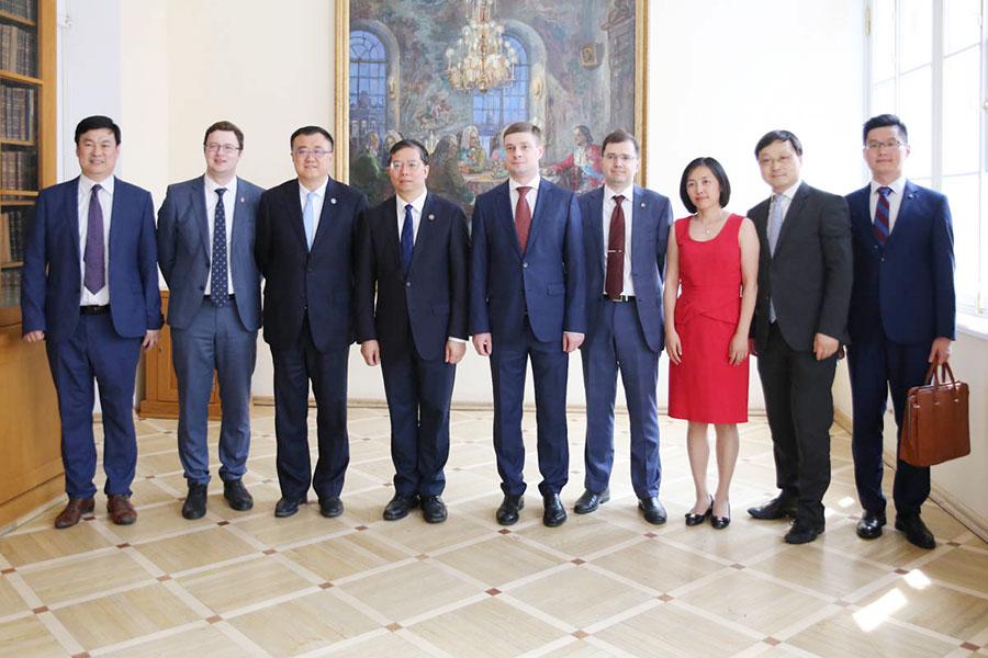 Tsinghua University Days at St Petersburg University