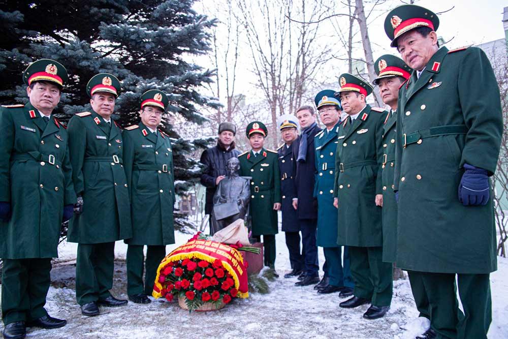 СПбГУ посетила делегация Министерства обороны Вьетнама