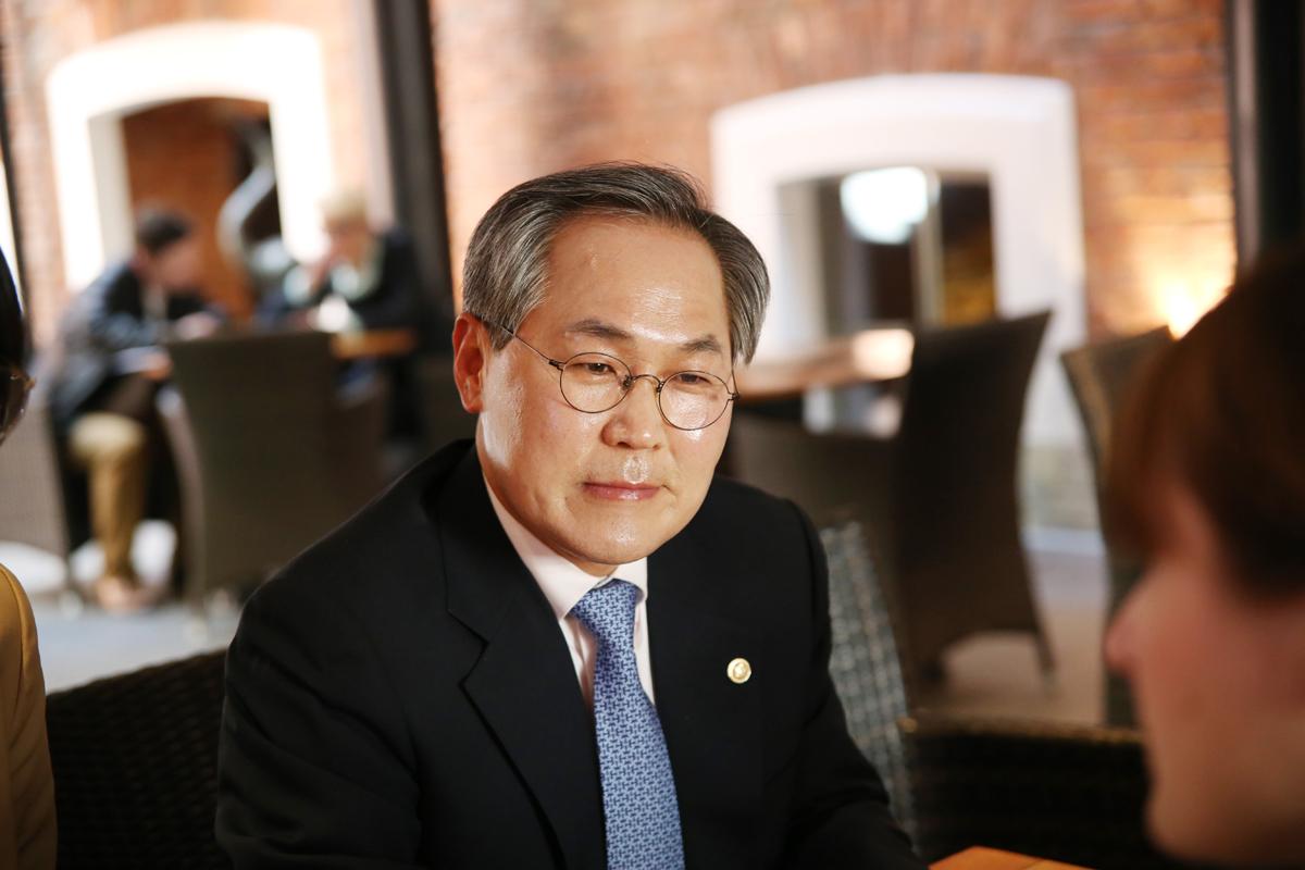 Выпускник СПбГУ стал новым послом Республики Корея в России
