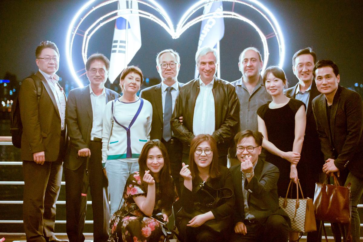 ДРРК организовал встречу российских и корейских журналистов