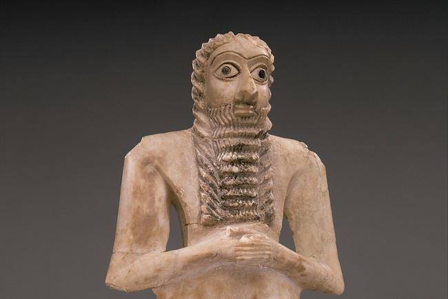 Шумерская статуэтка молящегося мужчины, около 2900—2600 лет до н.э. Метрополитен-музей, Нью-Йорк