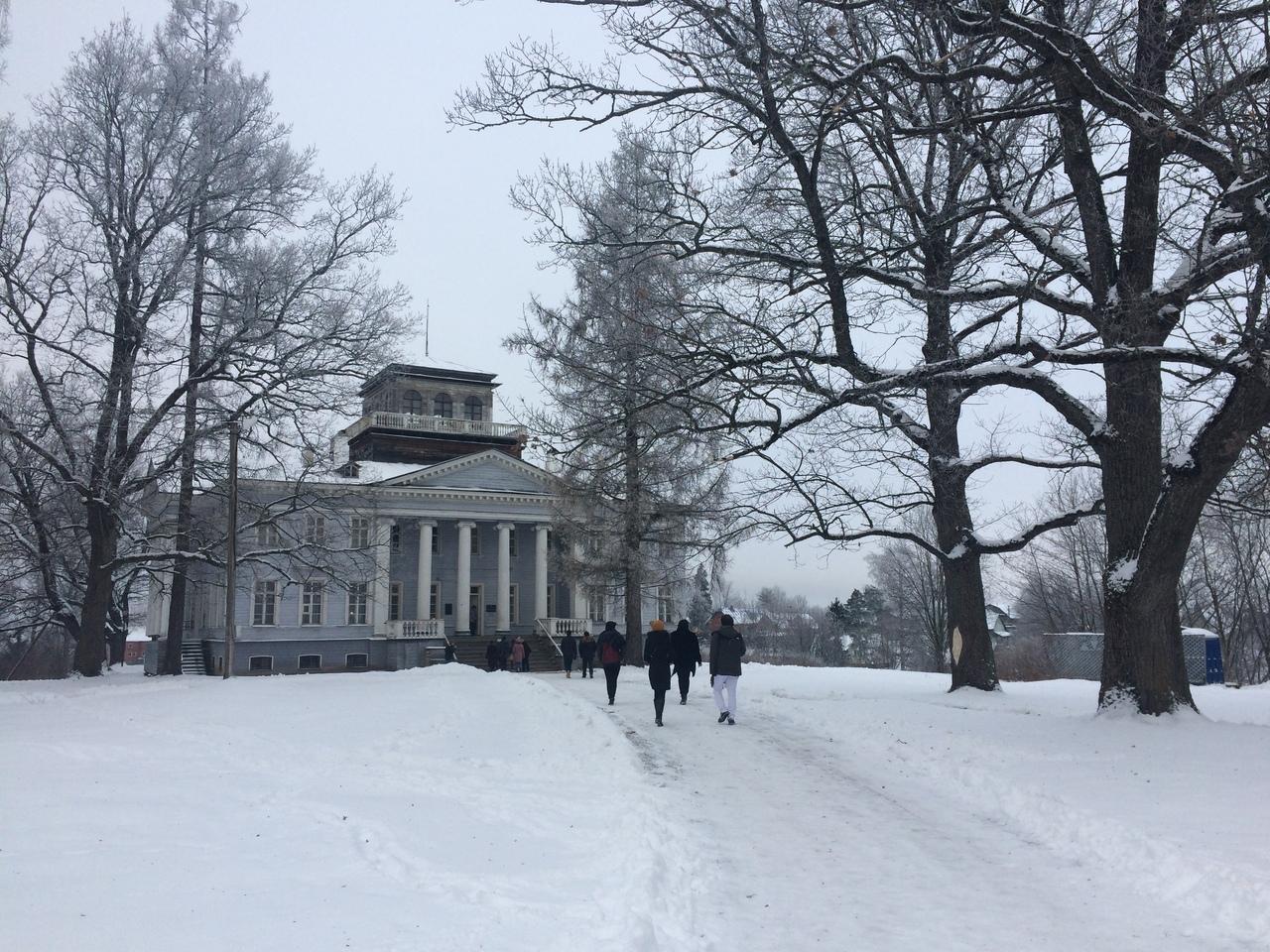 «Физики и лирики» провели встречу в музее-усадьбе «Рождествено»