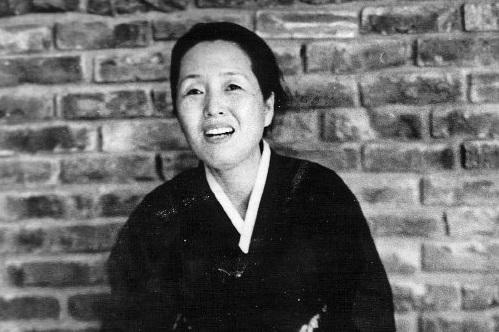 Видеолекции о творчестве и жизни корейской писательницы Пак Кённи