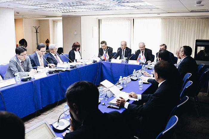 Эксперты СПбГУ на форуме «Диалог Россия — Республика Корея»