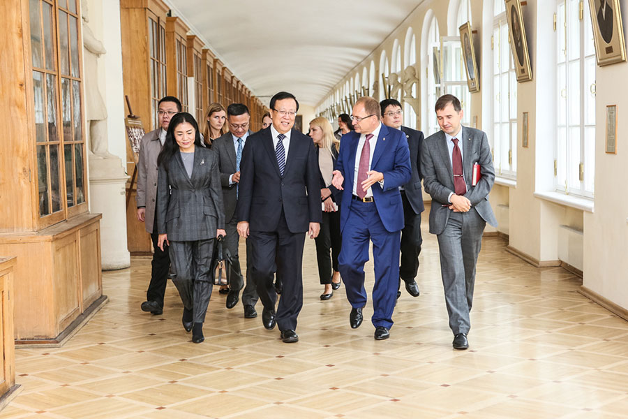 President of Peking University Hao Ping has visited St Petersburg University